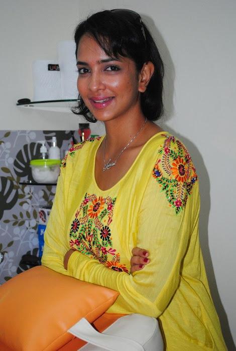 Lakshmi Prasanna @ Livlife Hospitals Function Photo Set - N/W  Lakshmi-Prasanna-at-Livlife-Hospitals_029