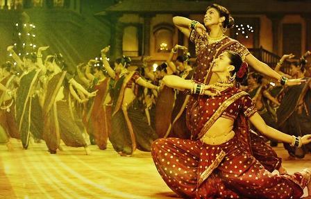 Pinga Song Lyrics - Bajirao Mastani (2015)   Ranveer Singh, Deepika Padukone & Priyanka Chopra