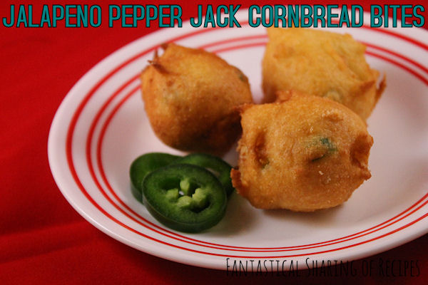 Jalapeno Pepper Jack Cornbread Bites | A perfect two-bite side dish for soup!