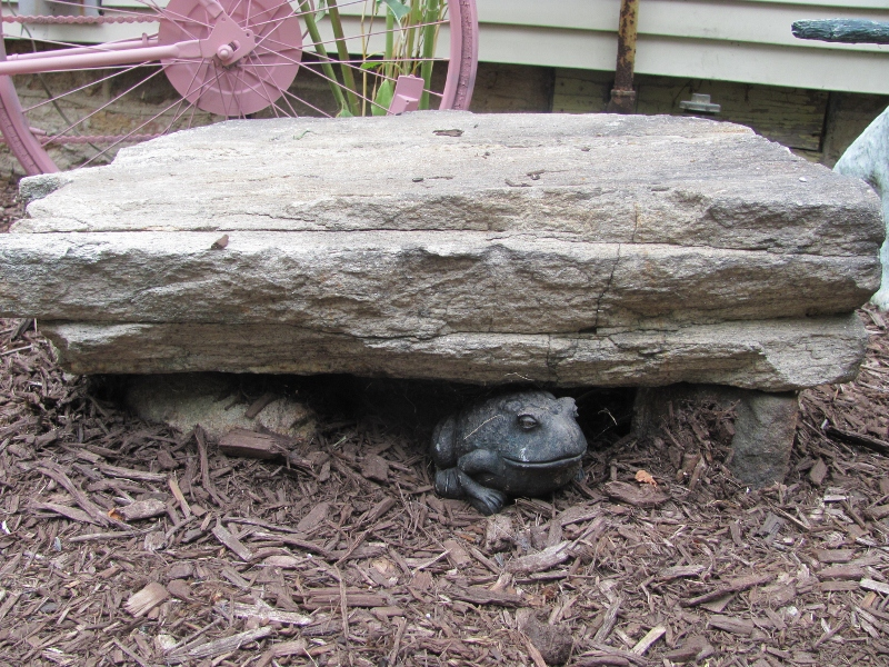 I Saw This At A Garden Show ... Itu0027s Two Squarish Kinda Stones And One Big,  Flat Stone On Top Of Them To Make A Stone Bench. Cool, Huh? Oh, And The  Frog.