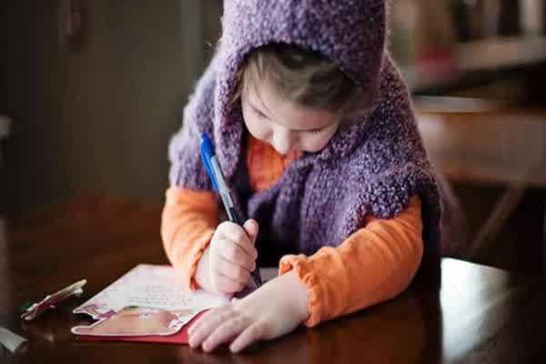 Kemajuan Teknologi Berpengaruh pada Kemampuan Menulis Anak