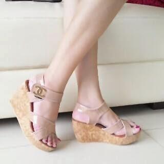 Sepatu Cewek Heel Sepatu Cewek Heel Simple Wedges Mocca