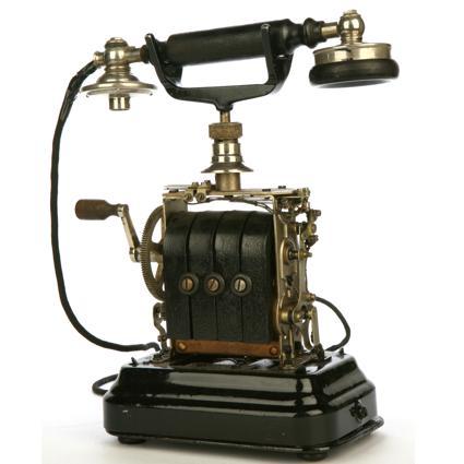 http://1.bp.blogspot.com/-Rft-22mah8g/TdKv5xvVboI/AAAAAAAABVE/D1sRuZP892w/s1600/tercer+telefono+antiguo.jpg