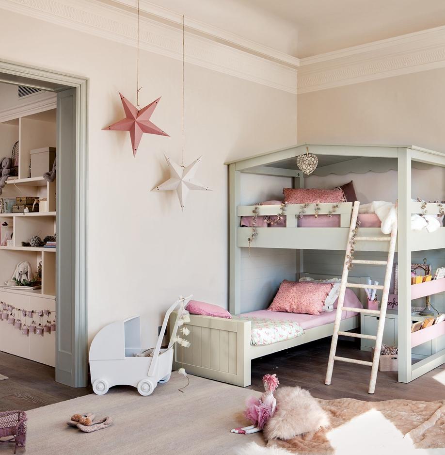 Boiserie c una stanza dolce e giocosa per le feste for Design apartment 2 camere