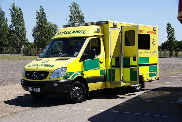 Gambar Mobil Ambulance 12