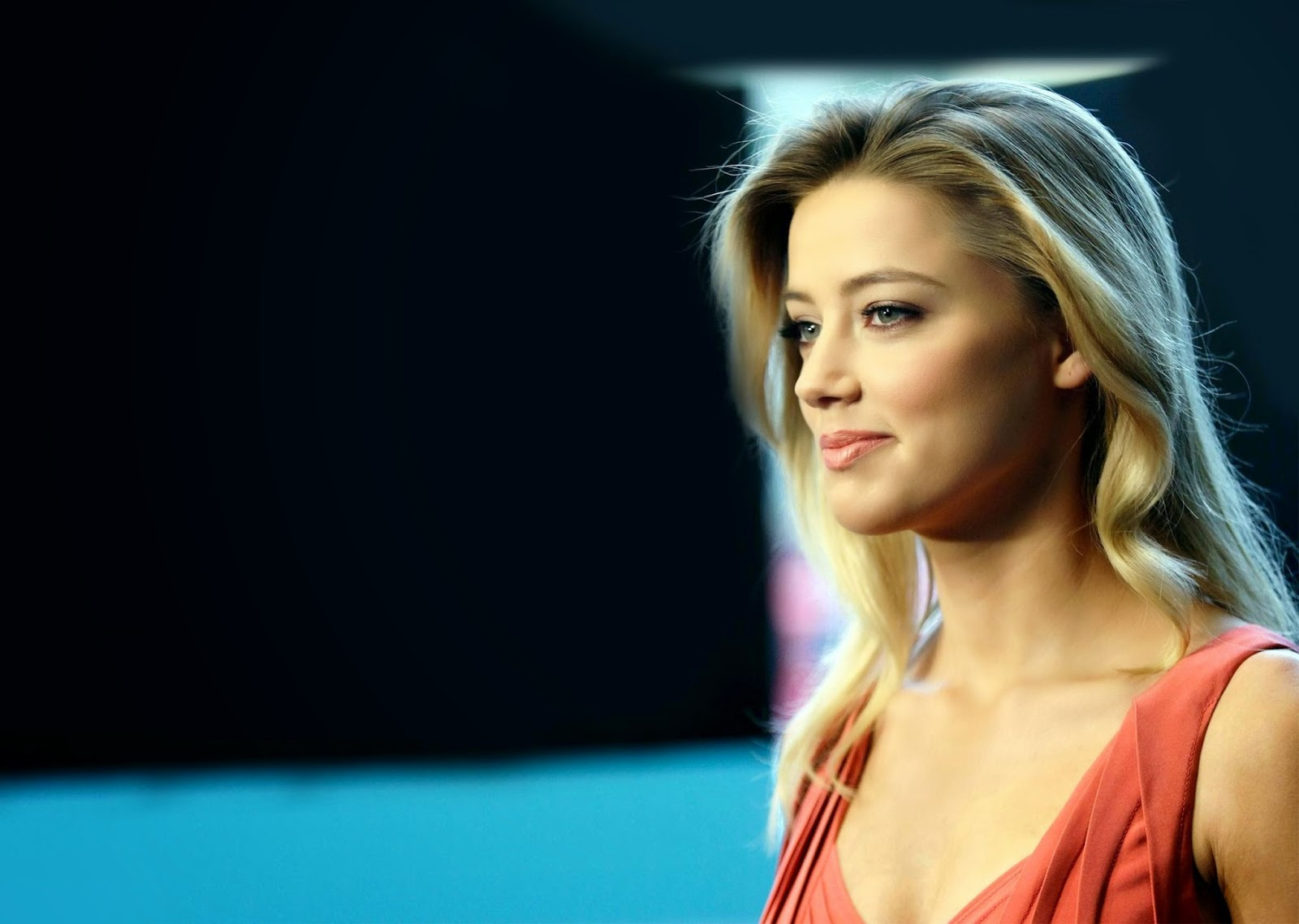 Amber Heard Hd Wallpapers Free Download