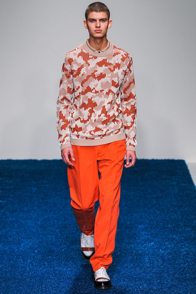 Look SS 13 Pringle of Scotland