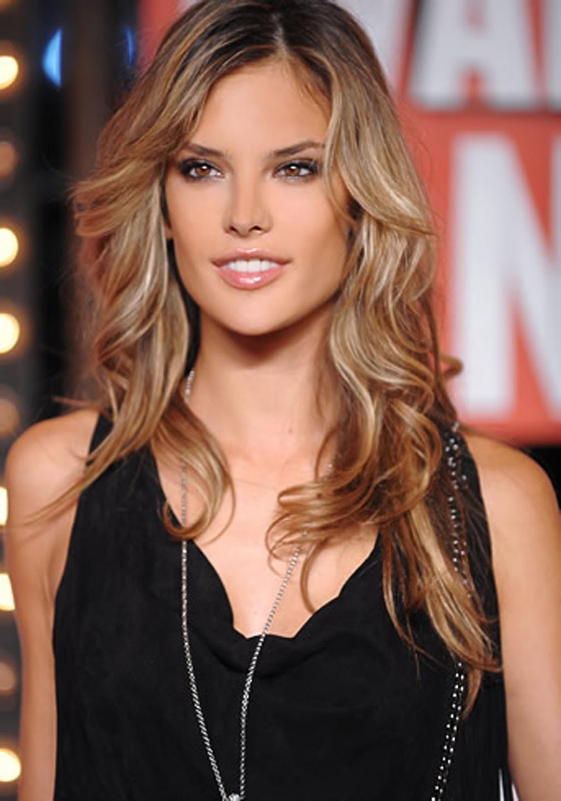 Fun Time Club Alessandra Ambrosio