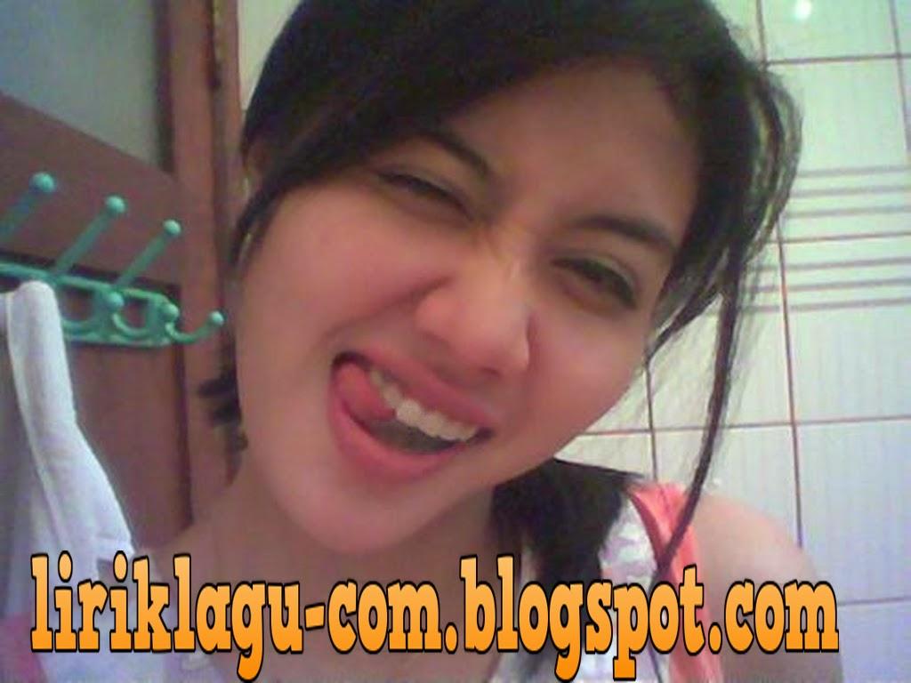 http://liriklagu-com.blogspot.com/