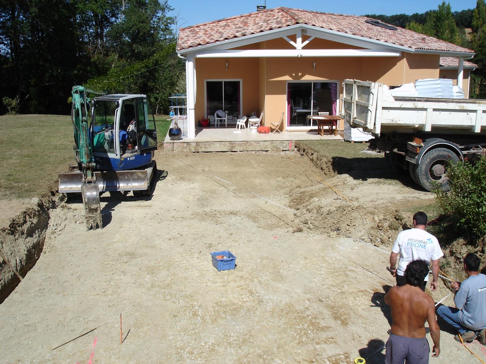 Construction piscine mondial piscine 20 09 2011 for Construction piscine 09