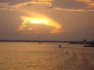 Entardecer na Baia de Guajará - Belém
