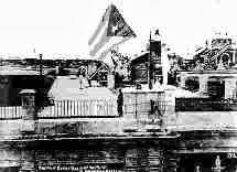 CUBA 20 de Mayo de 1902. Instante en que es izada la bandera cubana en el Palacio de Gobierno,