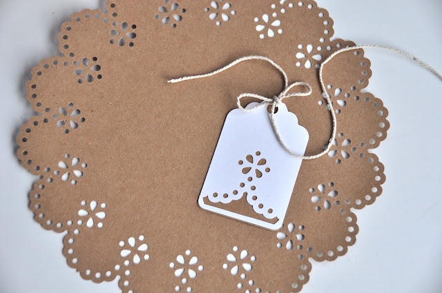 Aesthetic nest review martha stewart crafts circle edge punch i even made a little gift tag to match i know the amazing thing about this tool is the perfect circles it creates but the tag is pretty cute too negle Images