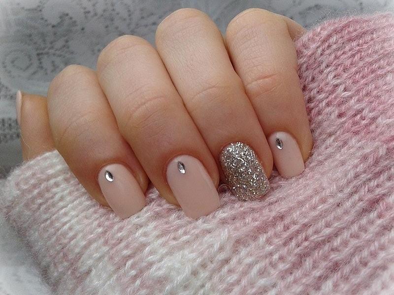 Бежевые ногти фото
