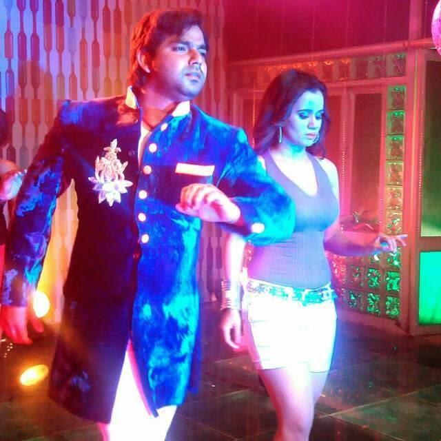 Gunjan pant Shoot Special Songs For Suhaag Film, Feat Pawan Singh, Monalisa
