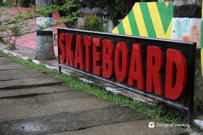 taman bermain skateboard di lapangan merdeka fotografi medan