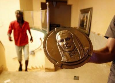 صور من منزل القذافي-منتهى