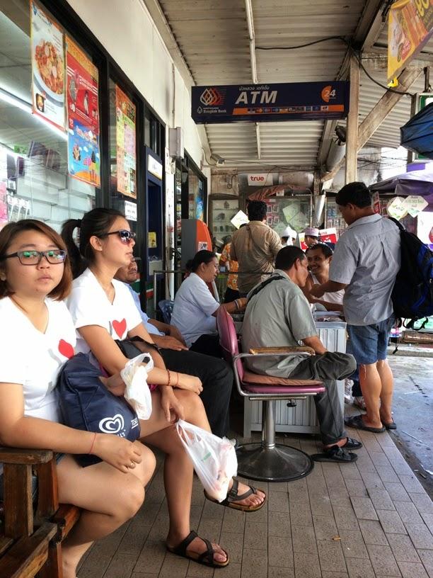 Waiting for minivan to Hat Yai