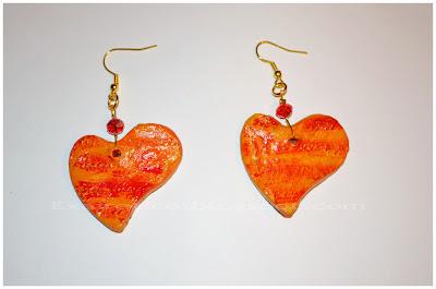 Χειροποίητα σκουλαρίκια καρδιές σε χρυσό-κόκκινο χρώμα