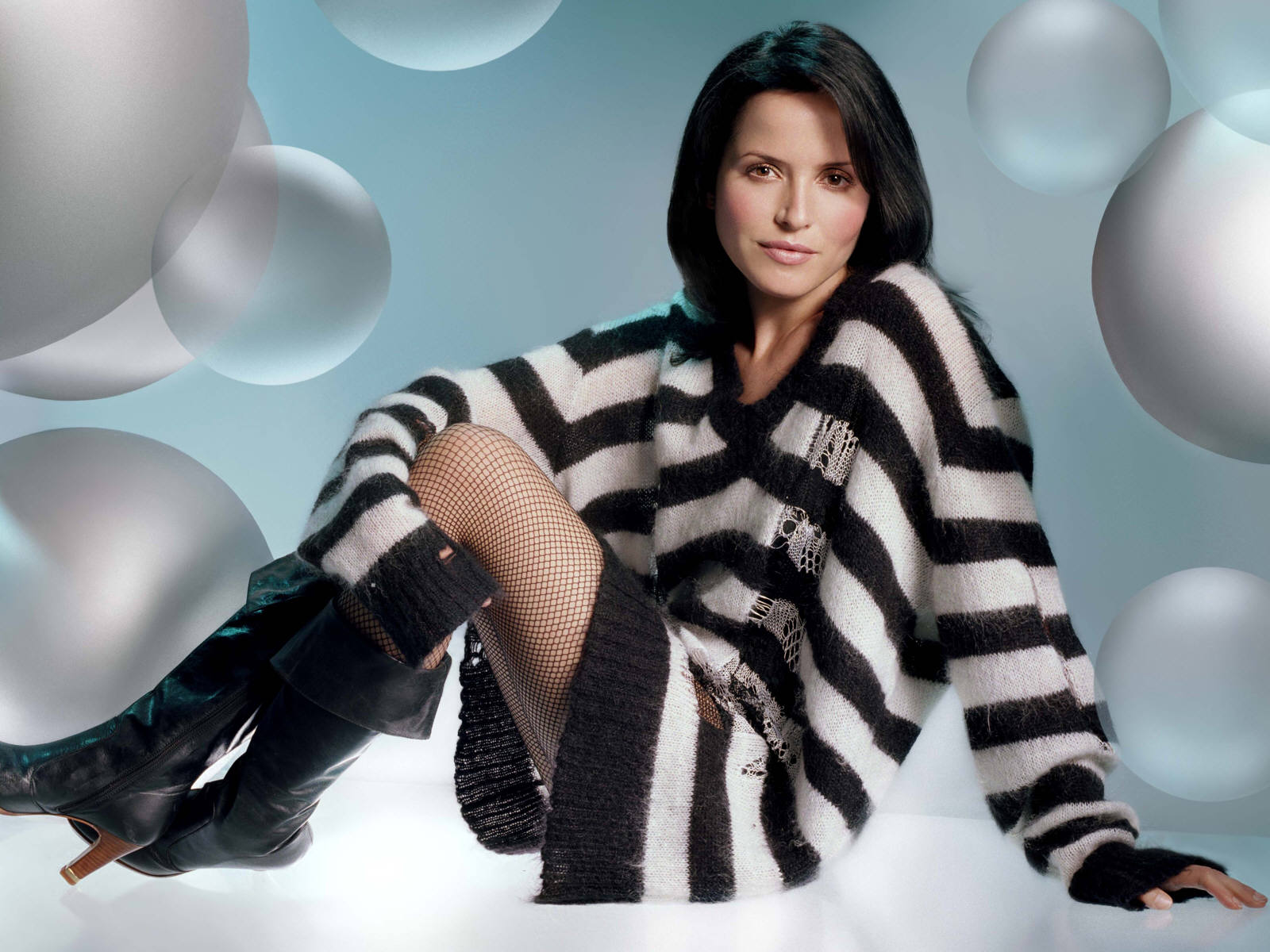 hot Andrea corr