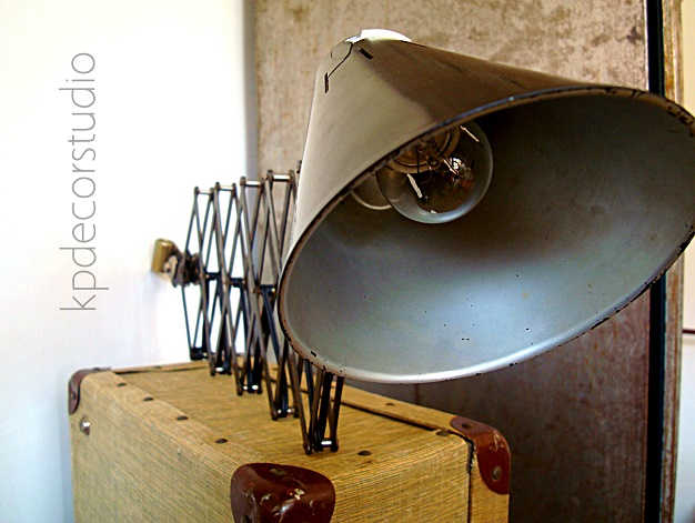 Lámparas vintage estilo industrial. Apliques y flexos antiguos con  brazo extensible de muelle metálico