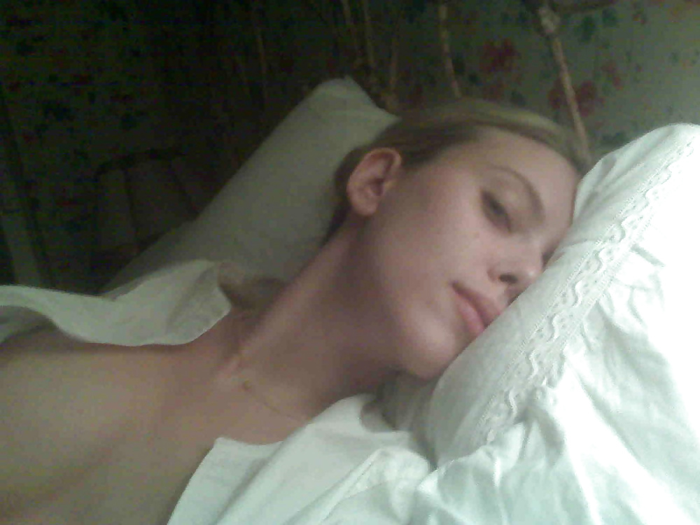 Scarlett johansson leaked hacked nudes