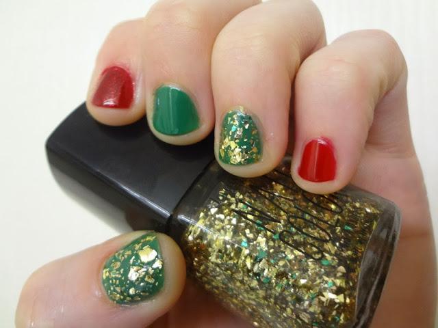 aka Bailey, Christmas nails, red, green, gold, nail polish