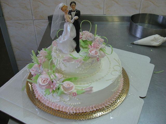 Украсить свадебный торт фото