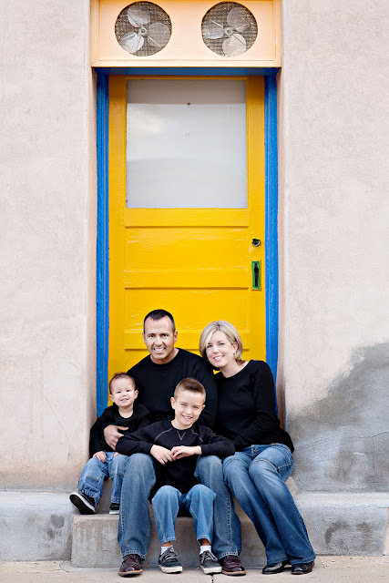 Tucson family portrait sitting in an urban location