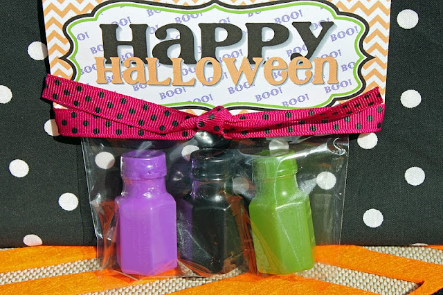 free-Halloween-treat-bag