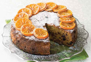 Fruit-filled clementine cake