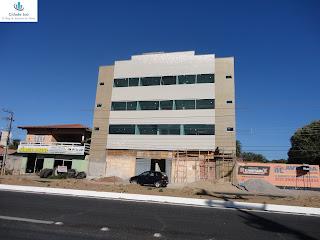 Pequeno edifício em construção na Av. Leão Sampaio.