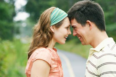 كيف تعرفين إذا كان حبيبك ينوي الارتباط بك أم لا - الحب والارتباط والرومانسية