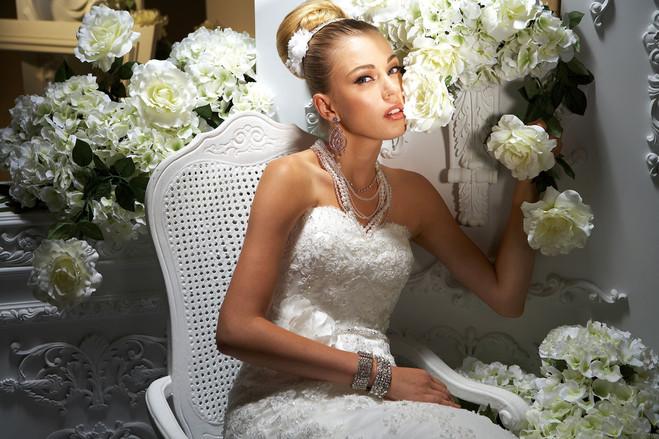 Traum Brautmode Online Shop - Günstige Brautmode: August 2012