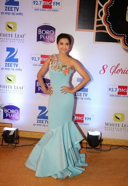 Gauhar Khan Looks Super Sexy In a Blue Dress At The 8th ZEE TV Gold Awards 2015