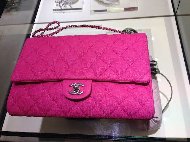 7896ab328cc8 The Pink Hearted Princess  Chanel New Clutch with Chain 2013 Spring ...