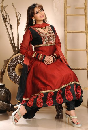 Readymade_Churidar_Kameez