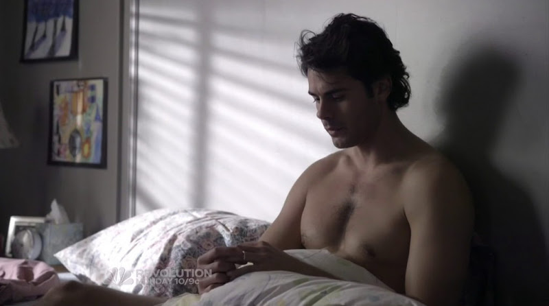 Jayson Blair Shirtless in The New Normal s1e01