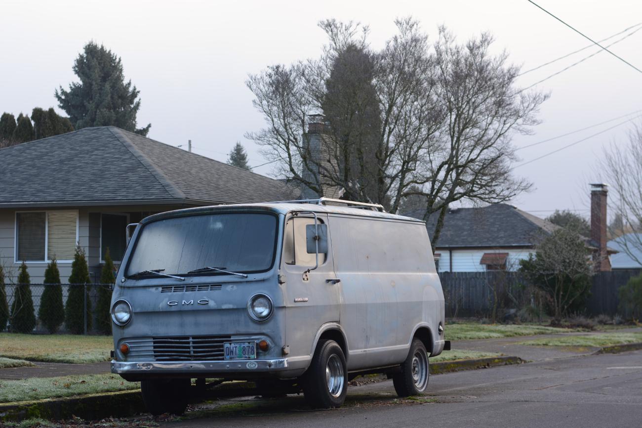 OLD PARKED CARS.: 1965 GMC Handi-Van.