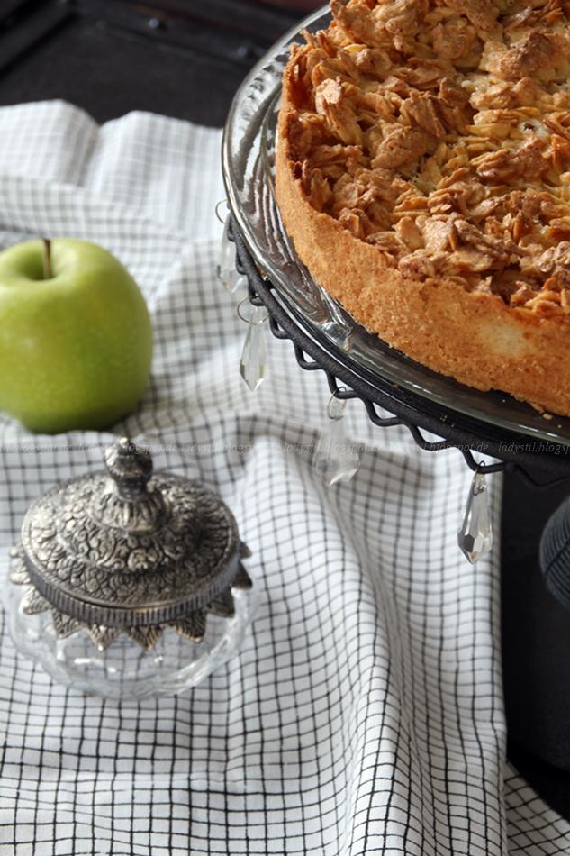 Apfelkuchen mit Mandeln