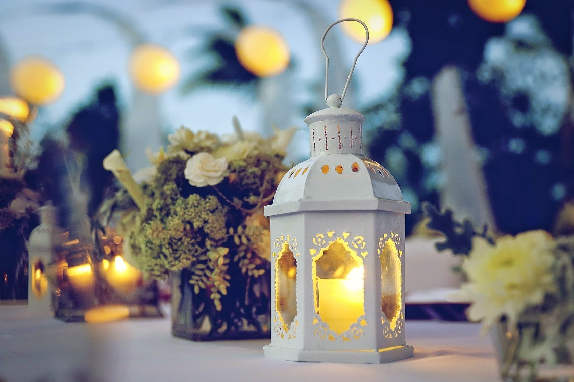 tea light candle in lantern