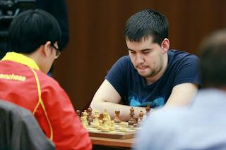 Ian Nepomniachtchi, actuel leader à 9 points sur 10
