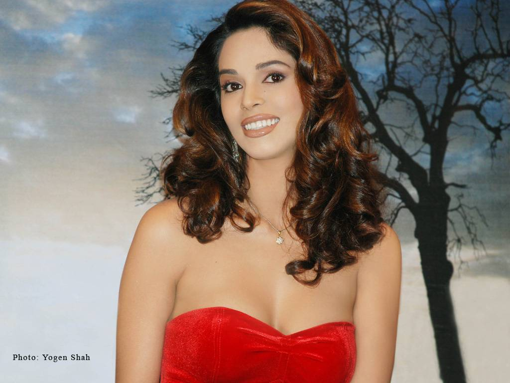 Mallika Sherawat Hot Wallpapers 3