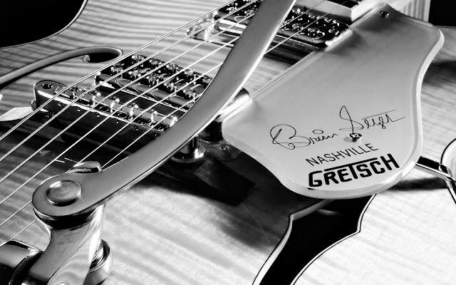 wallpaper guitar gibson. 2010 wallpaper guitar girl_10.