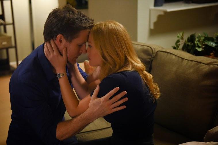 Joel y Julia se reconcilian