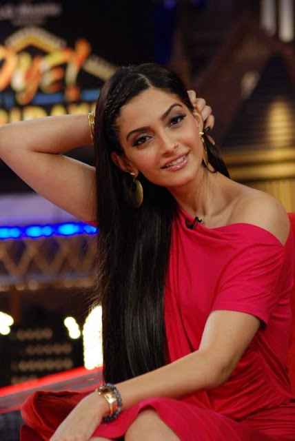 Sonam Kapoor Wallpapers Players Movie 2012 Latest Wallpaper