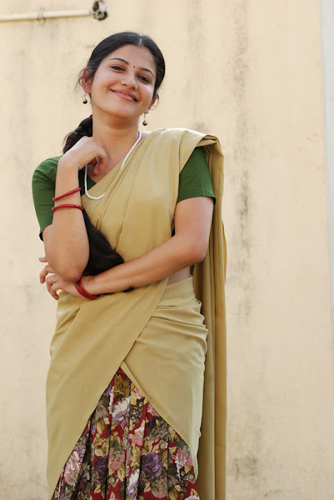 shivada nair half saree @ nedunchalai movie hot images
