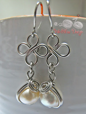 Wire wrap clover dangle earrings