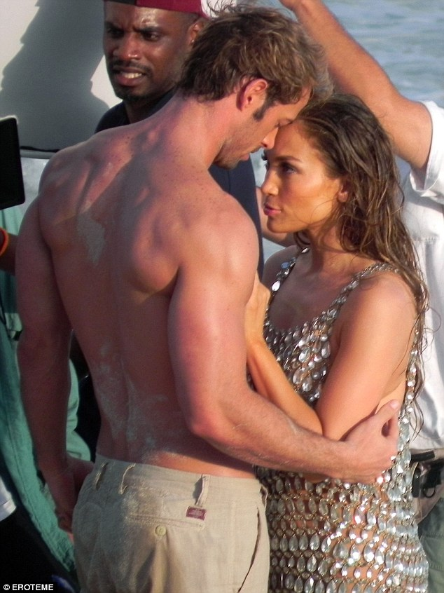 Jennifer Lopez and William Levy romance