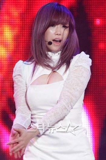 [Gambar: secret_hyosung_8.jpg]